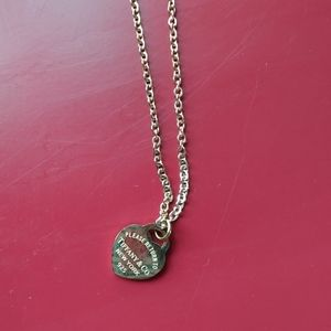 STUNNING NWOT 18K rose gold necklace